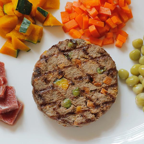 犬猫用手作りごはん|野菜と馬肉のハンバーグ